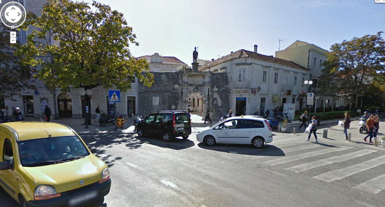 Trogir-foto-old-town-entrance