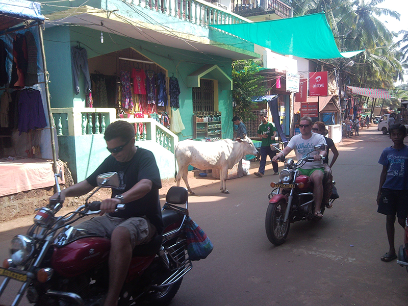 main-road-street-arambol-goa