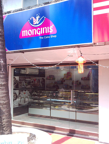 monginis-cake-shop-arambol-india-goa